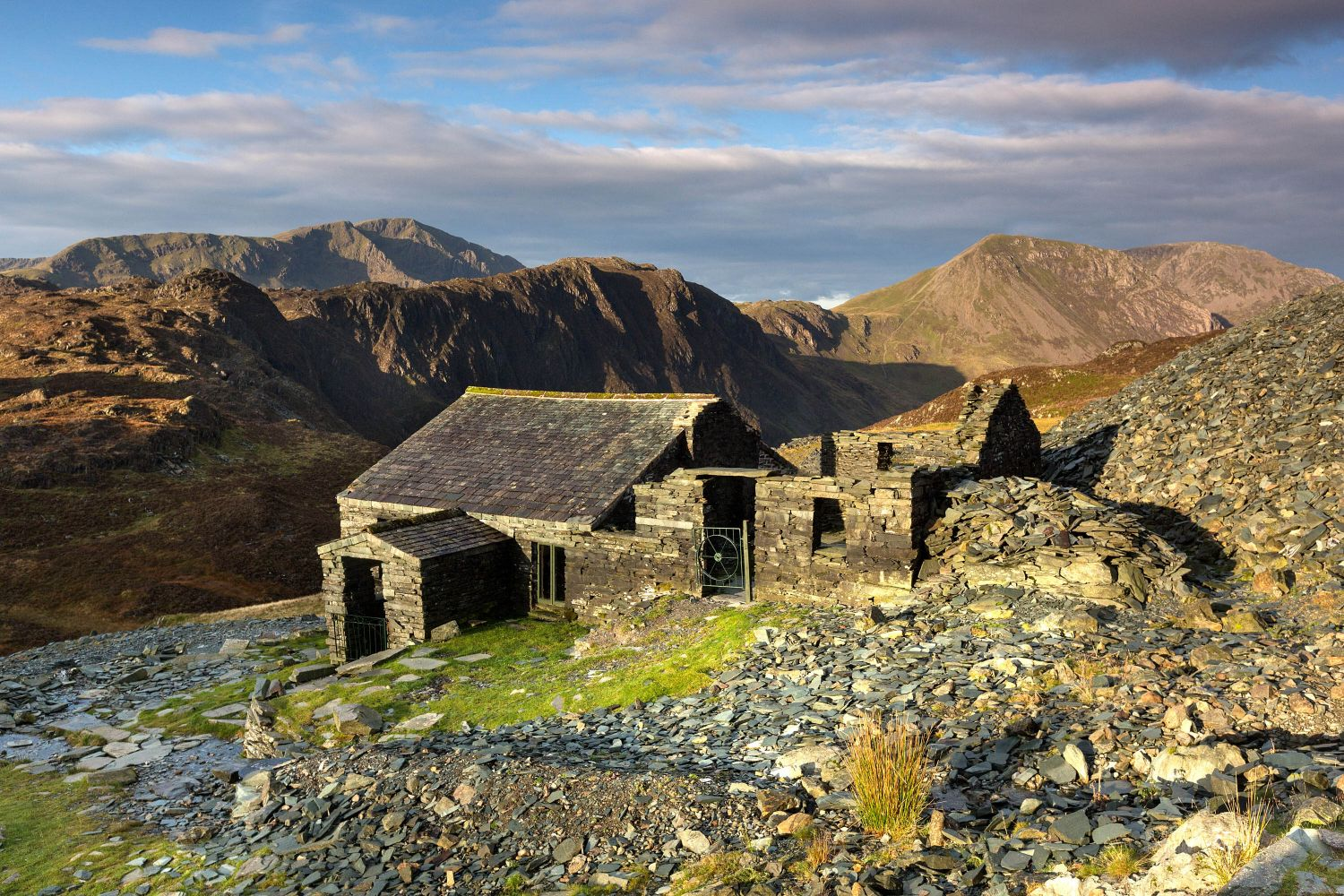 First light on Dubs Hut Bothy and Haystacks