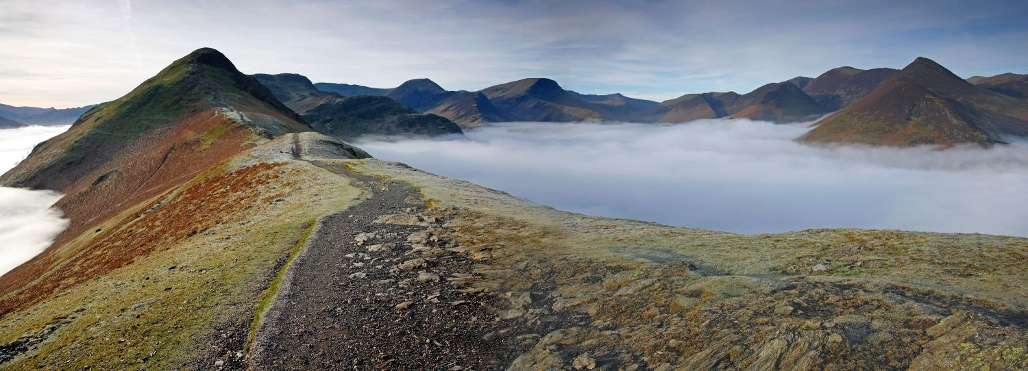 Early moring clouds in the Newlands Valley from Catbells