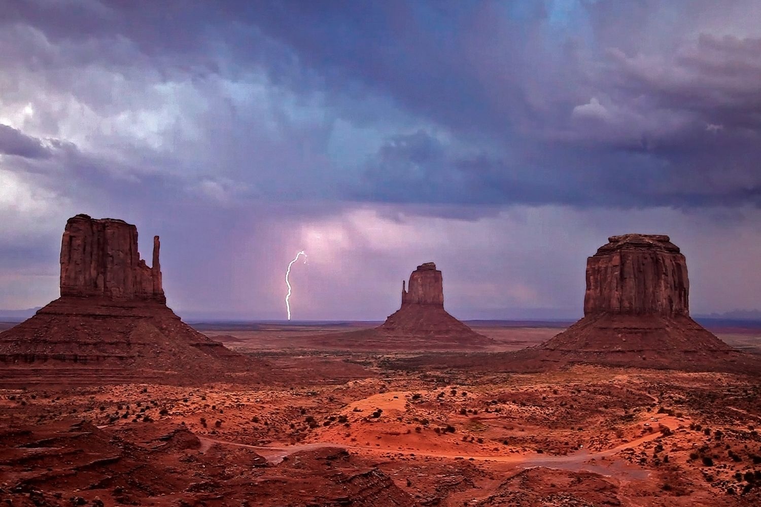 Lightning over The Mittens, Monument Valley