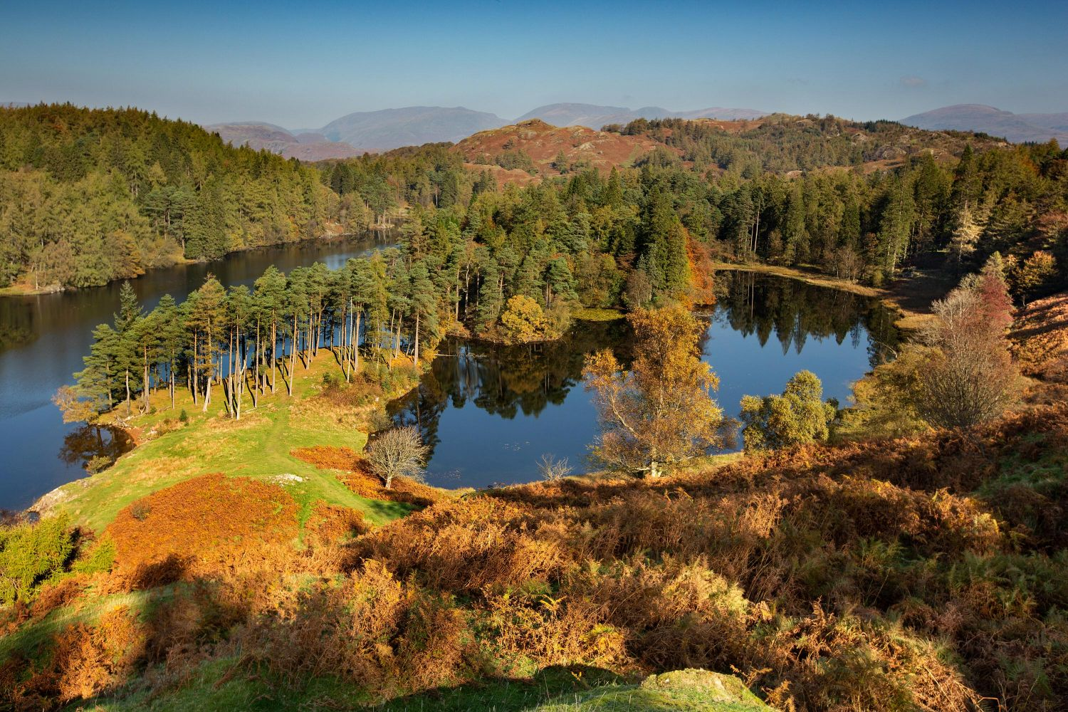 Tarn Hows bathed in autumn sunshine